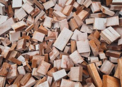 Sausi kaladukai/ Dried woodwaste