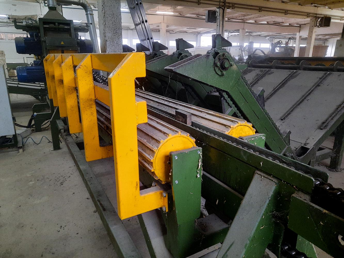 Rąstų pavartymo stalas/ Logs positioning conveyor