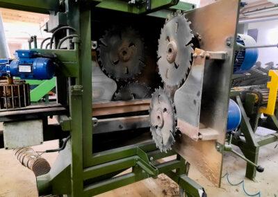 Tašų pjovimo staklės/ Beams sawing machine